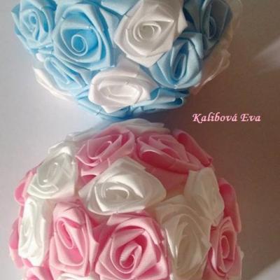 Svatební dekorace z růžiček - Kalibová