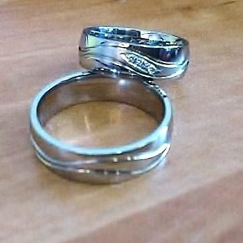 ručně vyráběné prsteny s diamanty