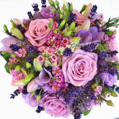 zahradní svatba s levandulí