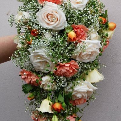 Svatba s merunkovymi karafiaty