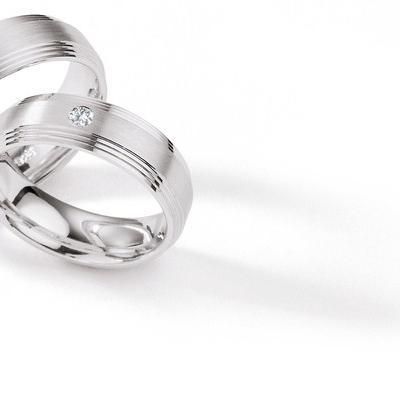 snubni-prsteny-sbrilianty-z-modernich-materialu-026-20160407083243
